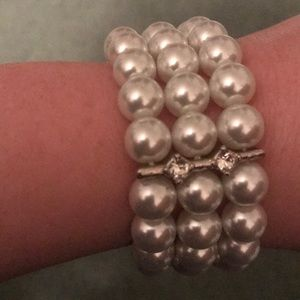 Jewelry - Pearl three strand stretch bracelet
